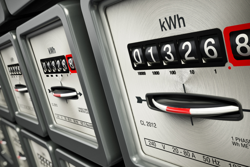 40% от сметките за електроенергия в страните от ЕС представляват данъци и различни такси, показват данните на Евростат за първото полугодие на 2020 г.,...