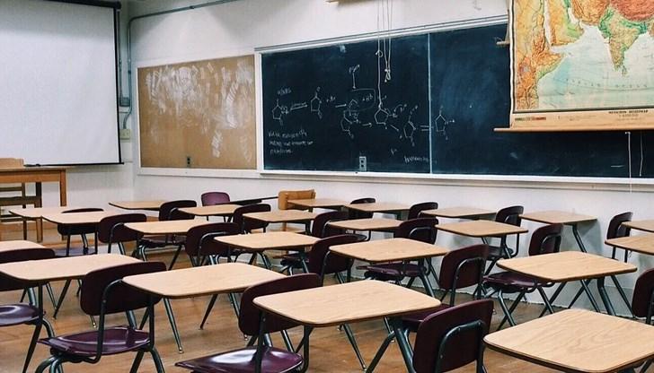 Уведомяваме седмокласниците от област Сливен и родителите им, че документи за приемане на ученици в VІІІ клас ще се подават в периода 5 – 7 юли 2021 г....