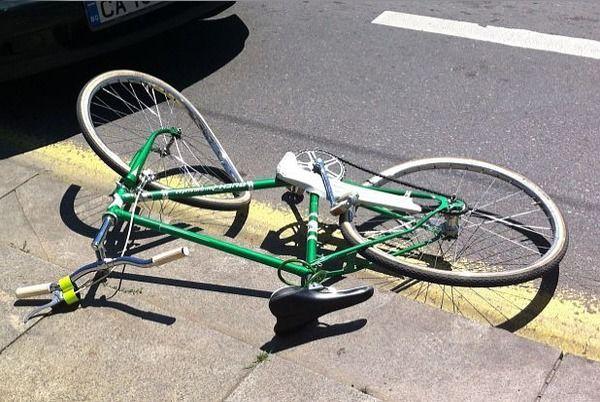 """На 14 юни към 08:00 часа на тел. 112, е получен сигнал, че на бул.""""Европа"""" в Ямбол е настъпило пътнотранспортно с пострадал велосипедист. На място е установено,..."""