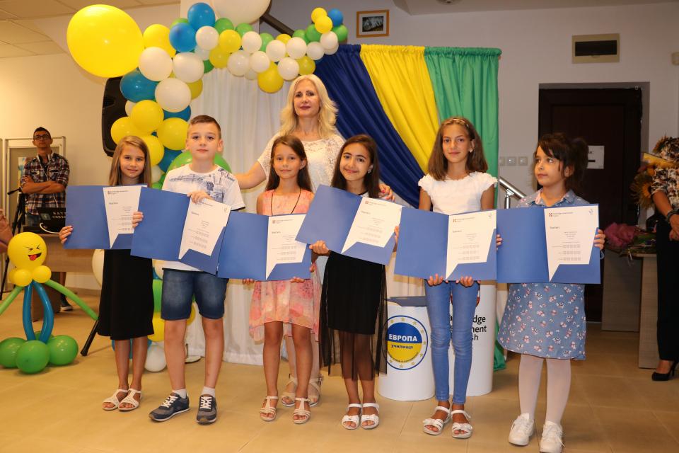 На специална церемония и тази година бяха поднесени престижните Сертификати на Cambridge Assessment English на 54-ма ученици от Училища Европа–Ямбол -...