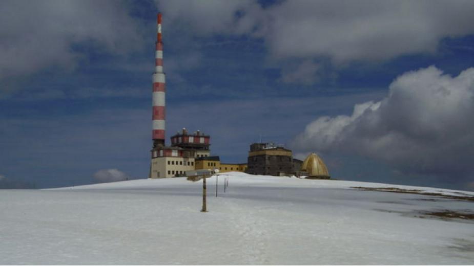 Днес се навършват 55 години от откриването на радиотелевизинната станция на връх Ботев в Стара планина, съобщава БНР. От там се осигурява разпръскване...