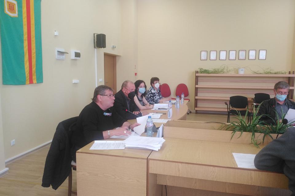 24 490 лв. отдели община Болярово за почистването на река Поповска в регулацията на село Попово. През януари тази година там бяха залети къщи и дворове...
