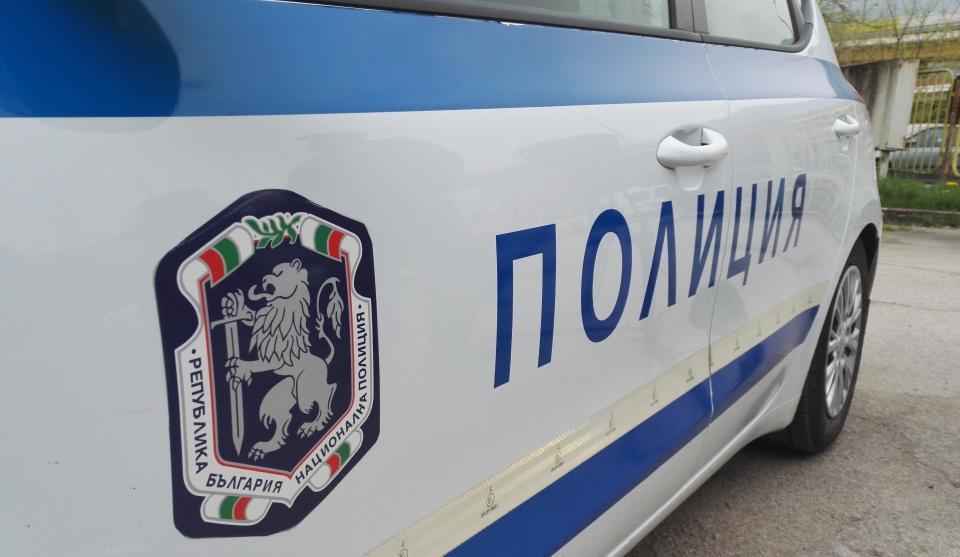 """На 12 ноември към 20:10 ч. на тел. 112 е постъпил сигнал за настъпило пътнотранспортно произшестгвие на кръстовището на ул. """"Преслав"""" и ул. """"Димитър Благоев""""..."""