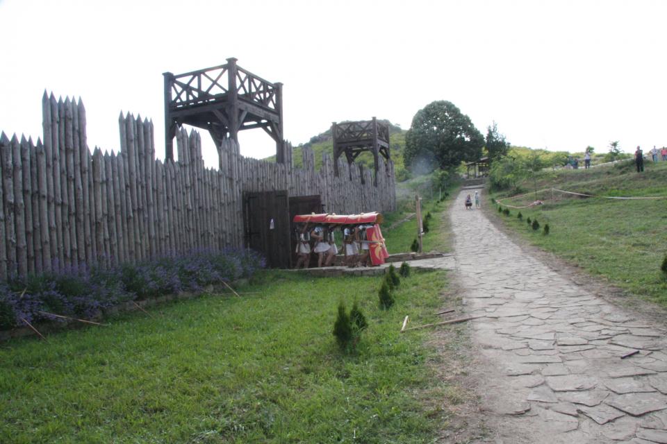 Възстановяват се посещенията на археологически резерват Тракийски и античен град Кабиле, съобщиха от Регионалния исторически музей в следобеда на Гергьовден....