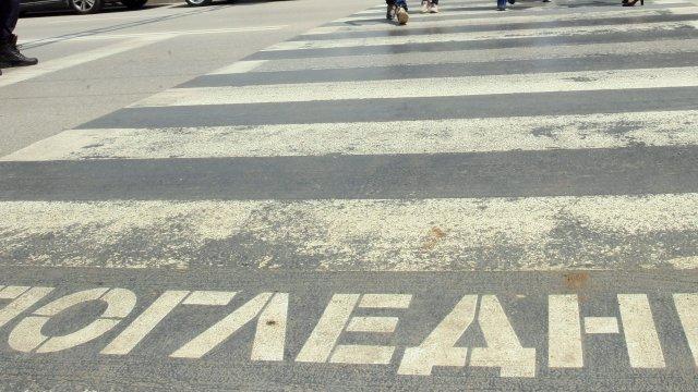 """На 15 април, в 14,18 часа, е получен сигнал за настъпило пътно произшествие на бул. """"Цар Симеон"""" в град Сливен, на пешеходна пътека до зала """"Сирак Скитник""""...."""