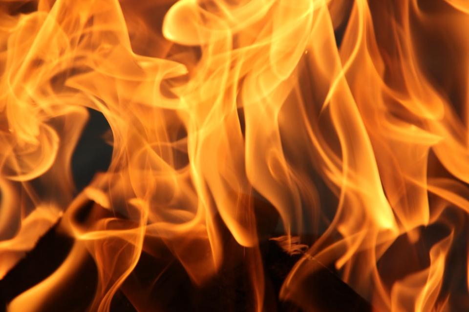 Екипи на РДПБЗН-Сливен са се отзовали на 8 сигнала за произшествия през изминалото денонощие.120 декара посеви са спасени при пожар от екипи на регионалните...