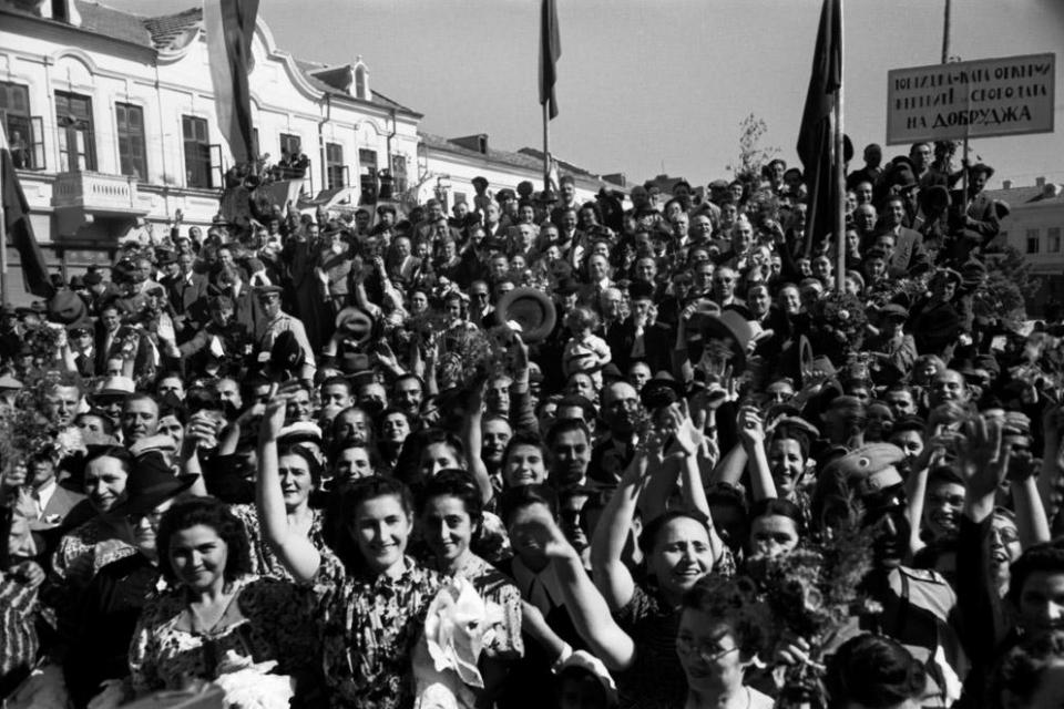 Президентът Румен Радев ще посети Добрич, където ще участва в тържествата по случай Деня на Добрич и отбелязването на 80-ата годишнина от подписването...