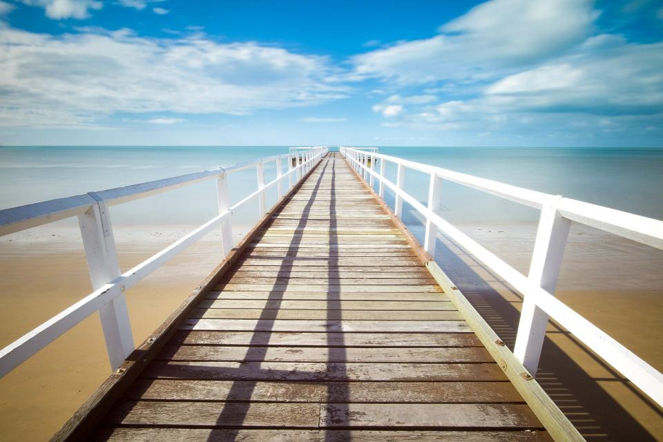 Българският туризъм ще реализира не по-малко от 80% загуби за летния сезон през тази година в сравнение с предходните две години. Това обяви пред БНР Полина...
