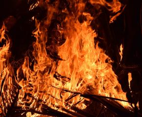 82-годишен мъж загуби живота си при пожар в дома си