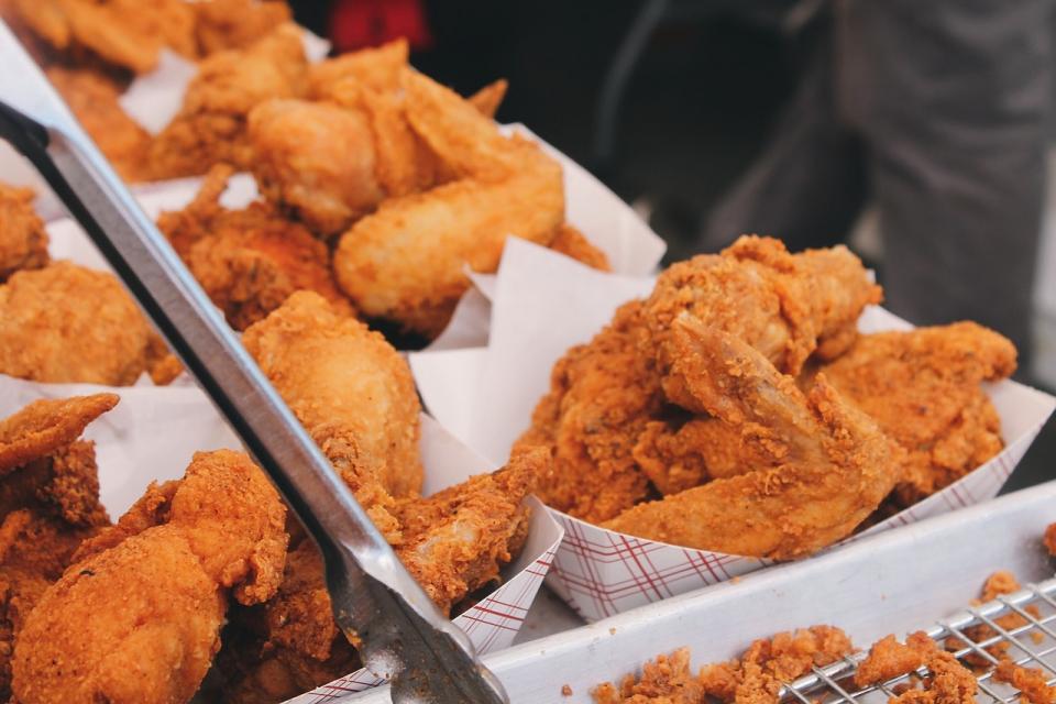 Поръчките на храна за вкъщи не влизат към ресторантьорските и кетъринг услугите, върху които се начислява по ниската ставка на ДДС, съобщават от Националната...