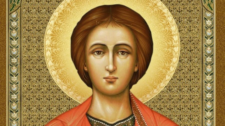 """На 27 юли Православната църква почита Свети великомъченик Пантелеймон, чието име означава """"всемилостив"""". Сред народа е познат като Пантелей пътник, което..."""