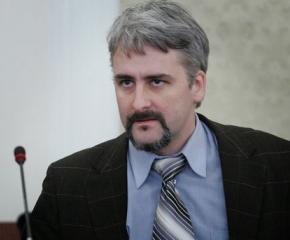 Адвокат Кашъмов: Парламентът застрашава безплатния достъп до обществена информация
