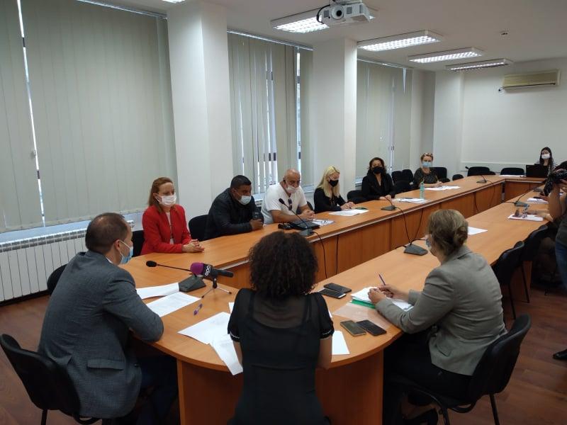 Само за четвърт час представителите на парламентарно представените партии и коалиции в 45-тото Народно събрание постигнаха съгласие за състава и разпределението...