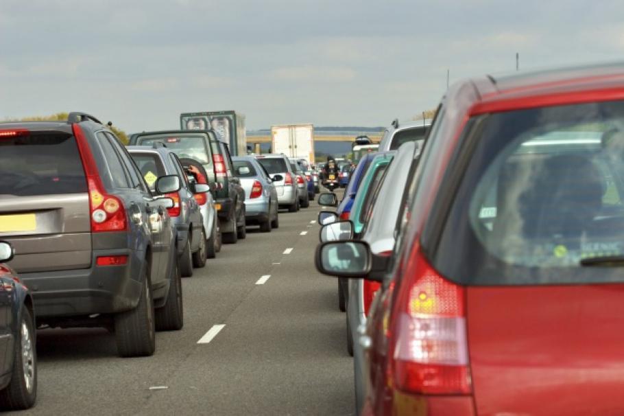 """Във връзка с очаквания интензивен трафик в края на почивните дни за Великден и Гергьовден, Агенция """"Пътна инфраструктура"""" апелира шофьорите да планират..."""