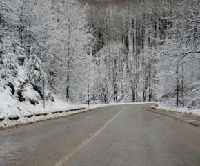 АПИ: Шофьорите да тръгват с автомобили подготвени за зимни условия