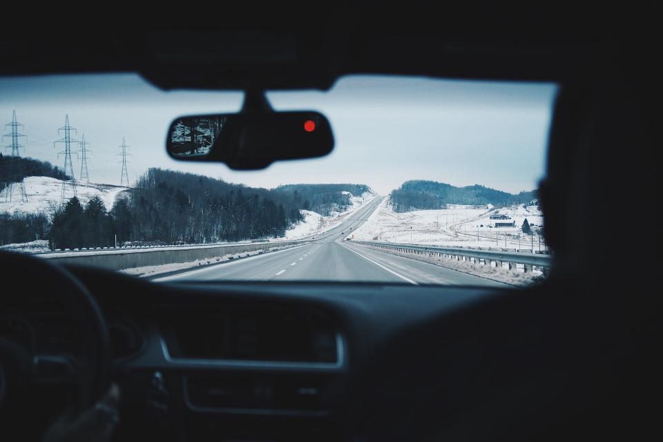 """В партньорство с Държавната агенция """"Безопасност на движението по пътищата"""" АПИ ще изпълним пилотна интелигентна система за пътна безопасност на 11 участъка..."""