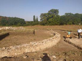 Трако-римски архитектурен комплекс с кръгъл храм на бог Дионис е съществувал в античността край ямболското село Стройно, община Елхово. Той е единствен...