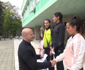 """Атлетите на """"Радио 999″ взеха почти всички призове в общинския крос """"Диана"""""""