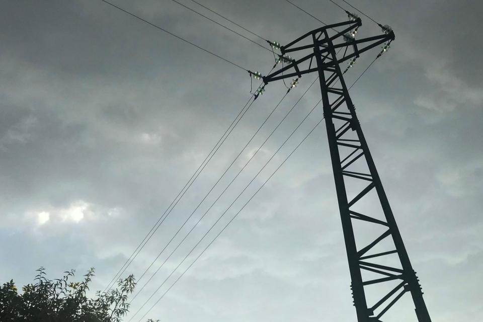 Авария остави няколко селища без ток в общините Болярово и Котел, научи 999. Без електрозахранване от 4 сутринта на 24 март са в боляровските села Голямо...