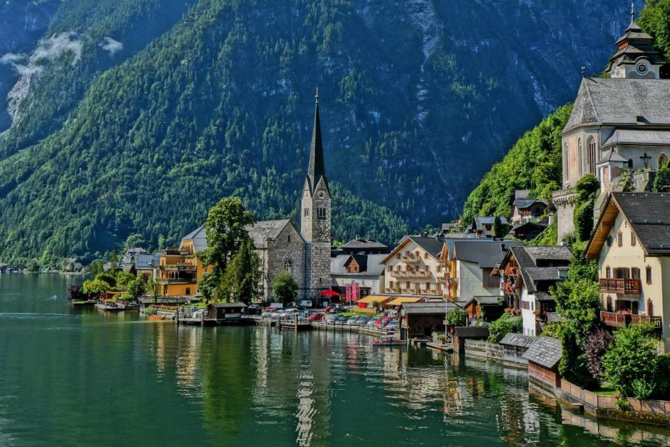 Австрия въвежда 10-дневна карантина за пристигащите от България, съобщиха от Министерството на външните работи. Задължението влиза в сила от 19-и декември,...