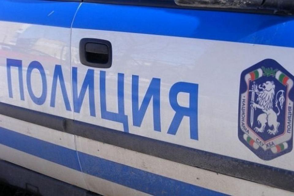 """Тази сутрин около 08.20ч. е получен сигнал за пътен инцидент на изхода на Пазарджик по посока за АМ """"Тракия"""". По първоначални данни лек автомобил е решил..."""