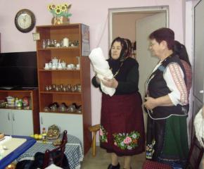 """""""Бабинден"""" в населените места в община Тунджа (снимки)"""