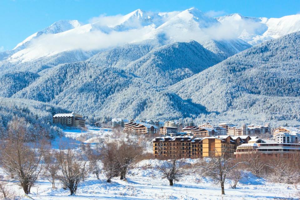 """Този месец Банско става център на екстремното ски и сноуборд кино. Традиционната Кинопанорама """"SNOW CINEMA – филми за ски и сноуборд"""" ще се проведе на..."""