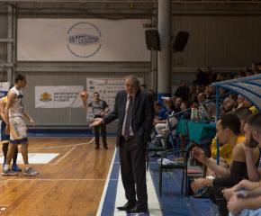 Баскетболистите на Варна измъкнаха първа победа от Ямбол