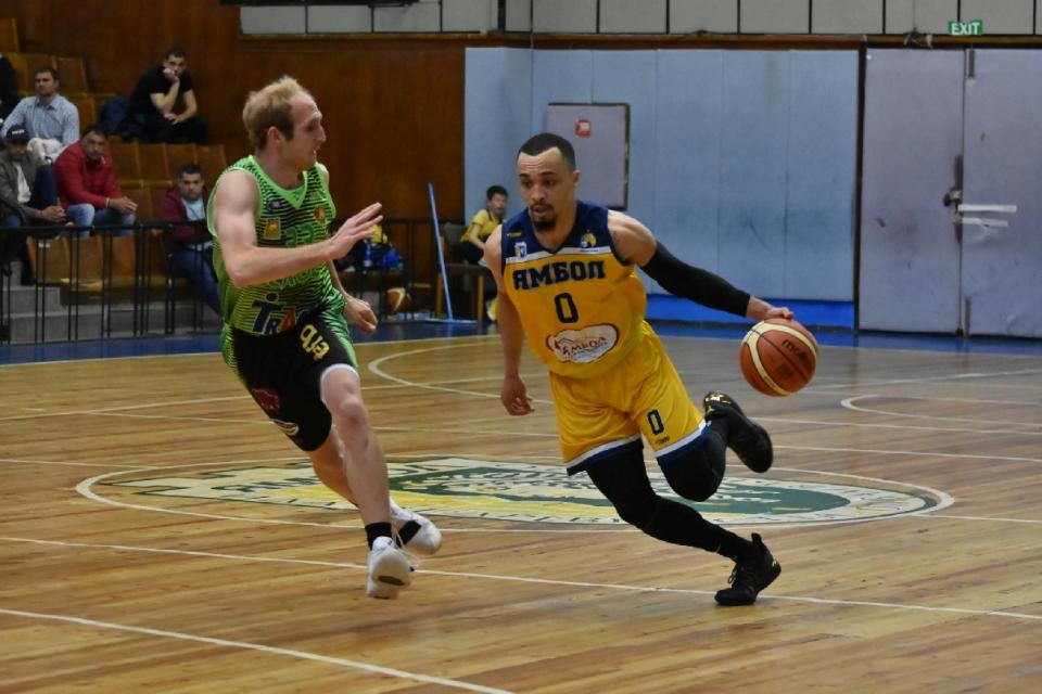 Мъжкият баскетболен отбор на Берое гостува на Ямбол тази неделя от 18:00 часа в мач от втория кръг на първенството на Националната баскетболна лига. Старозагорци...