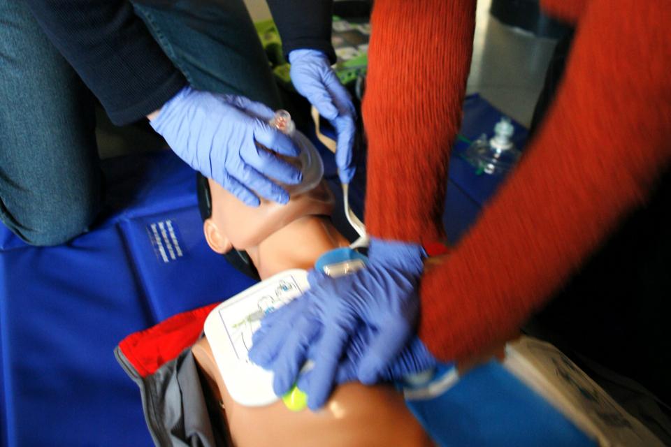 От 12.04.2021 г. (понеделник) БЧК възстановява провеждането на курсовете по оказване на Първа долекарска помощ на пострадали при ПТП, курсовете за кандидати...