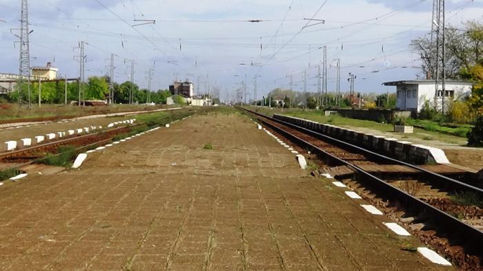 И тази сутрин са отменени пътническите влакове до и от Зимница, научи 999 от сайта на Български държавни железници. Пътническият влак № 30230 Зимница-Сливен,...