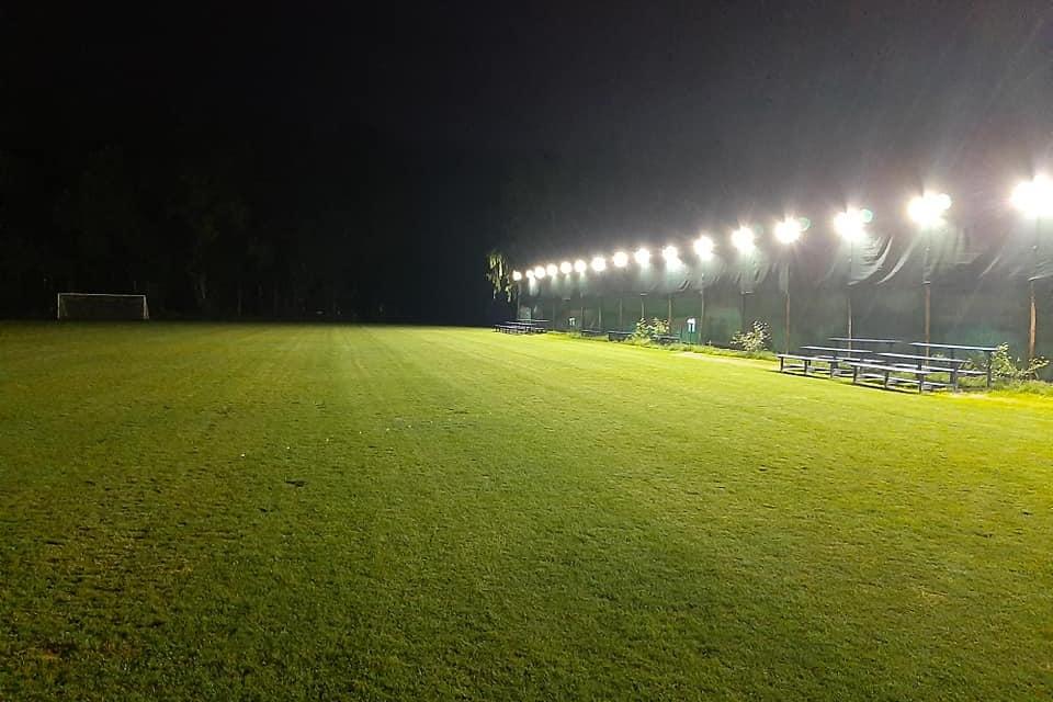 """В Ямбол вече е осветен и стадион """"Георги Дражев"""". В своята фейсбук-страница кметът Валентин Ревански изрази благодарност към бизнесмена Пламен Комитов,..."""