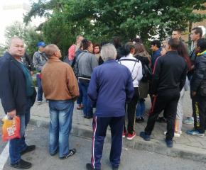 Близки и роднини на убитата Кристин се събраха пред съда в Сливен