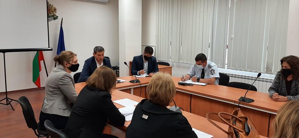 Днес, 01.06.2021г., в Областна администрация Ямбол, се проведе работна среща с част от представителите на Областен медицински съвет, във връзка с изпълнение...