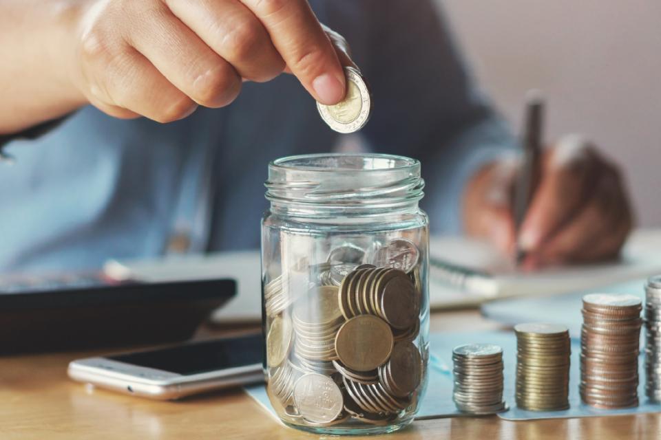 Над 2 милиона и 90 хиляди пенсионери ще получат увеличение на размерите на получаваните от тях пенсии и/или добавки, считано от 1 юли 2020 г. Осъвременяването...