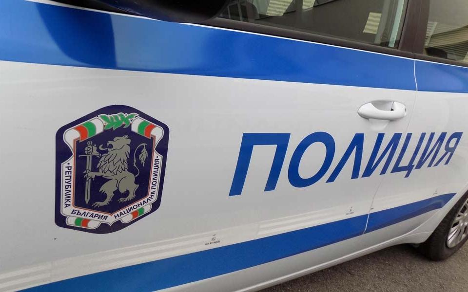 """Близо 200 спортни стоки са иззети при операция на сектор """"Противодействие на икономическата престъпност"""" към ОДМВР-Сливен и служители на РУ-Нова Загора...."""