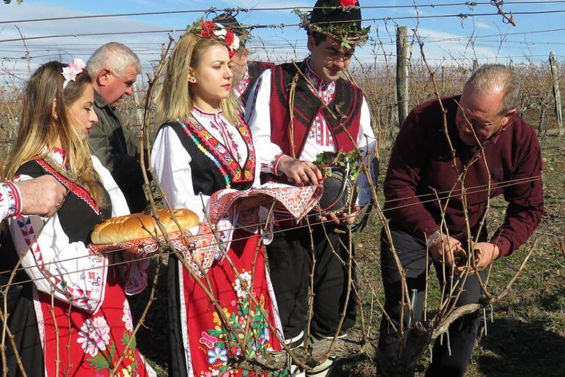 Трифон Зарезан ще е първият празник, който община Болярово ще отбележи след месеци затваряне на културните институти, заради пандемията. Подготовката за...