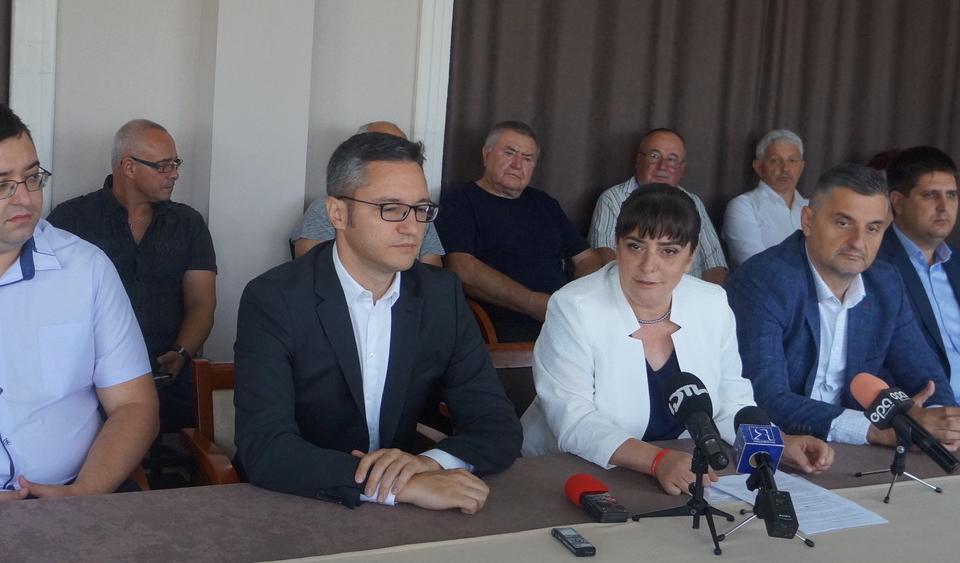 Първият официално утвърден кандидат за кмет на Ямбол Катя Георгиева представи част...