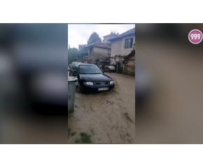Буря наводни сгради и пречупи дървета в Котел