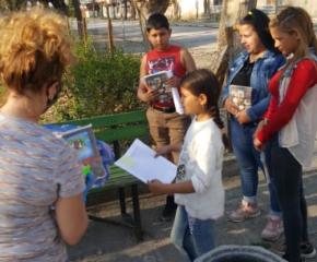 Бяха разнесени обучителни материали на ученици в няколко Тунджански села