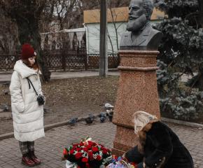 Българите у нас и в чужбина отбелязват рождението на Ботев