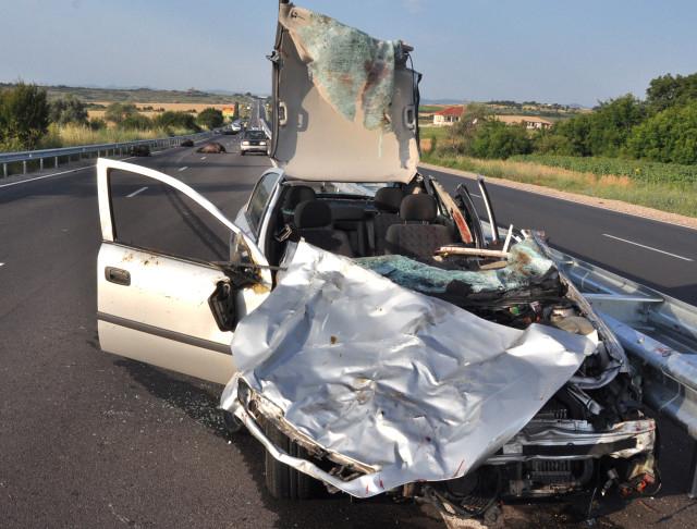 През 2018 г. 23 339 души са загинали в пътно-транспортни произшествия в Европейския съюз, сочат данни на Евростат. От жертвите на пътя 45% са пътували...