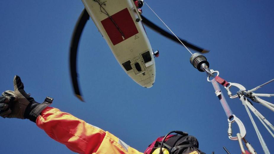 България може да разполага със спасителен хеликоптер най-рано през 2022 година. От Министерството на регионалното развитие и благоустройството съобщиха...
