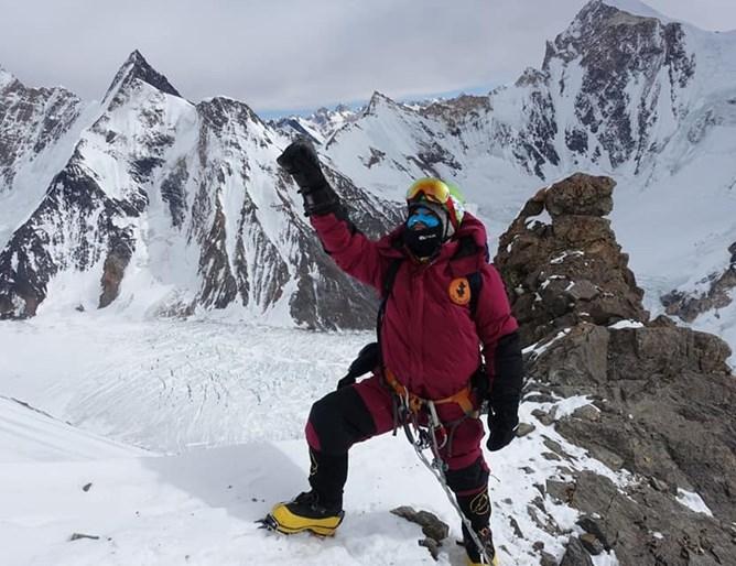 Българският алпинист Атанас Скатов е паднал при слизане от Лагер 3 към Базовия лагер след неуспешна нощна атака на втория по височина връх К2 (8611 м)....