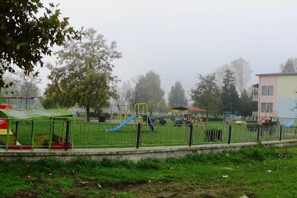 """На 1 юни 2020г. отварят част от детските градини в община Стралджа, съобщават от общината. Започват работа ДГ """"Здравец""""- гр. Стралджа и филиал с. Лозенец,..."""