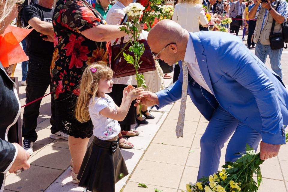 Заместник-кметът на Ямбол Енчо Керязов днес посреща 48-мата си годишнина. За човек, като него, доказал в живота си, че успехът може да дойде не само веднъж,...