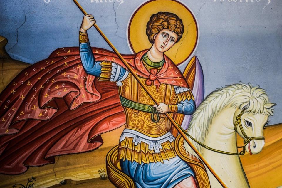 Днес се чества паметта на Св. Великомъченик Георги Победоносец, който е сред най-почитаните у нас светци още от покръстването на българите преди 11 века....