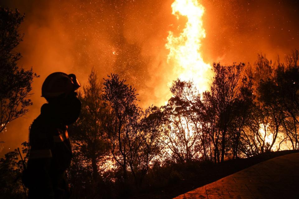 Четири деца причинили пожар по непредпазливост в района на Велинград са установени от служители на Районното управление в курорта. Разследването е под...