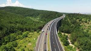 """Четири пътно-транспортни произшествия станаха тази сутрин по автомагистрала """"Тракия"""" в участъка от Старозагорска област, съобщиха за Радио Стара Загора..."""