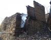 Четири къщи изгоряха при пожар в село над Благоевград, по чудо няма пострадали хора